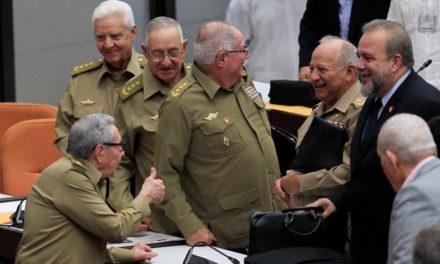 ¿Sabías que el máximo poder político en Cuba lo ostenta un grupo militar por encima del Partido Comunista y del Estado?