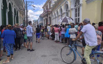 """¿Sabías que en Cuba se violan todos los derechos humanos llamados """"colectivos""""?"""
