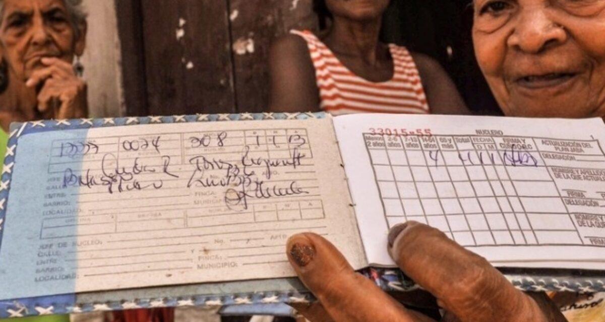 En Cuba la  libreta de abastecimiento restringe  también  las  compras  en  CUC
