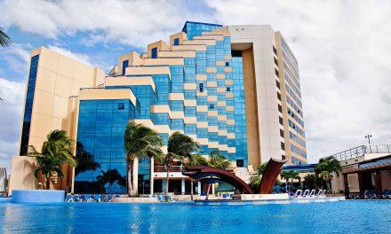 Más sospechas de que Raúl Castro lava dinero al construir hoteles