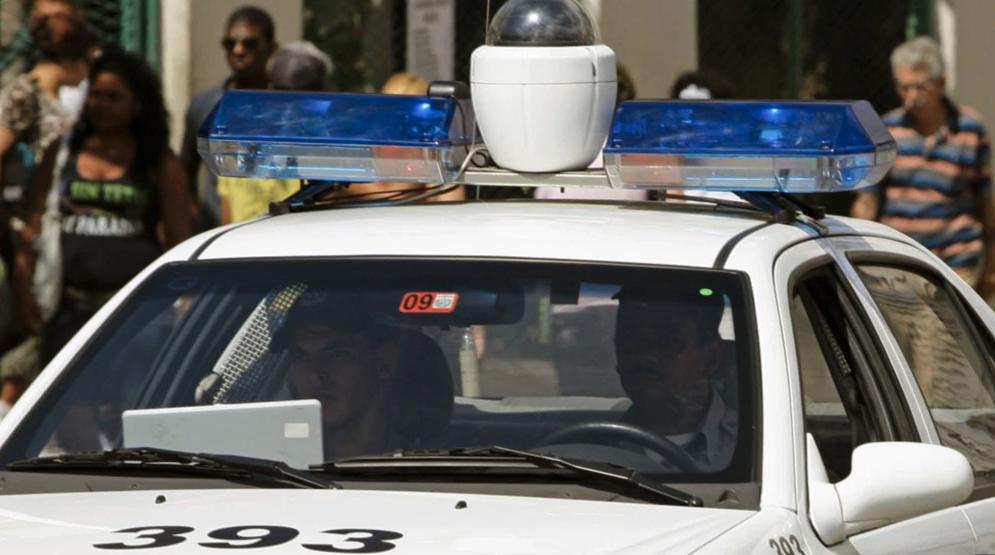 """CUBA: La """"patrulla-horno"""", nueva tortura castrista en plena calle"""